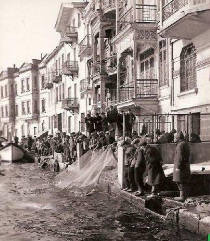 istanbul__Arnavutköy 1890 - look at this wonderful old scene!
