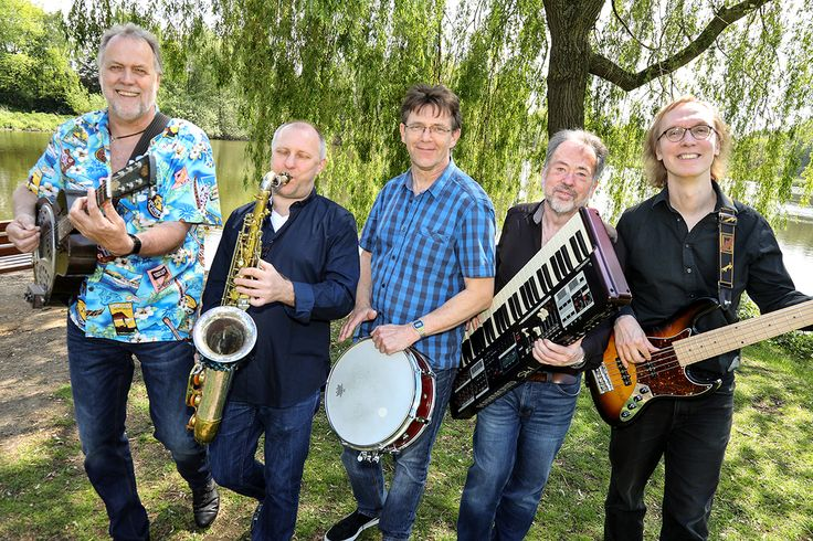 Musik, Blues, Haus 13, Elmshorn, Musikszene, Road Band, Dirk Theege, The Farmers Horn, B.B. King, Clapton, Zeitung Horst, Zeitung Elmshorn, Zeitung