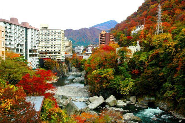 Suối nước nóng Kinugawa Japan