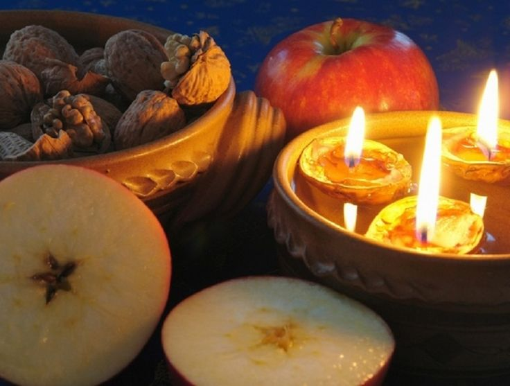 The care Czech customs belonged slicing apples and sailing boats made of walnut with a lit candle. Many of these families Christmas traditions respects
