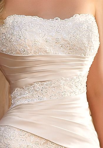 just love the top part of this dress wow