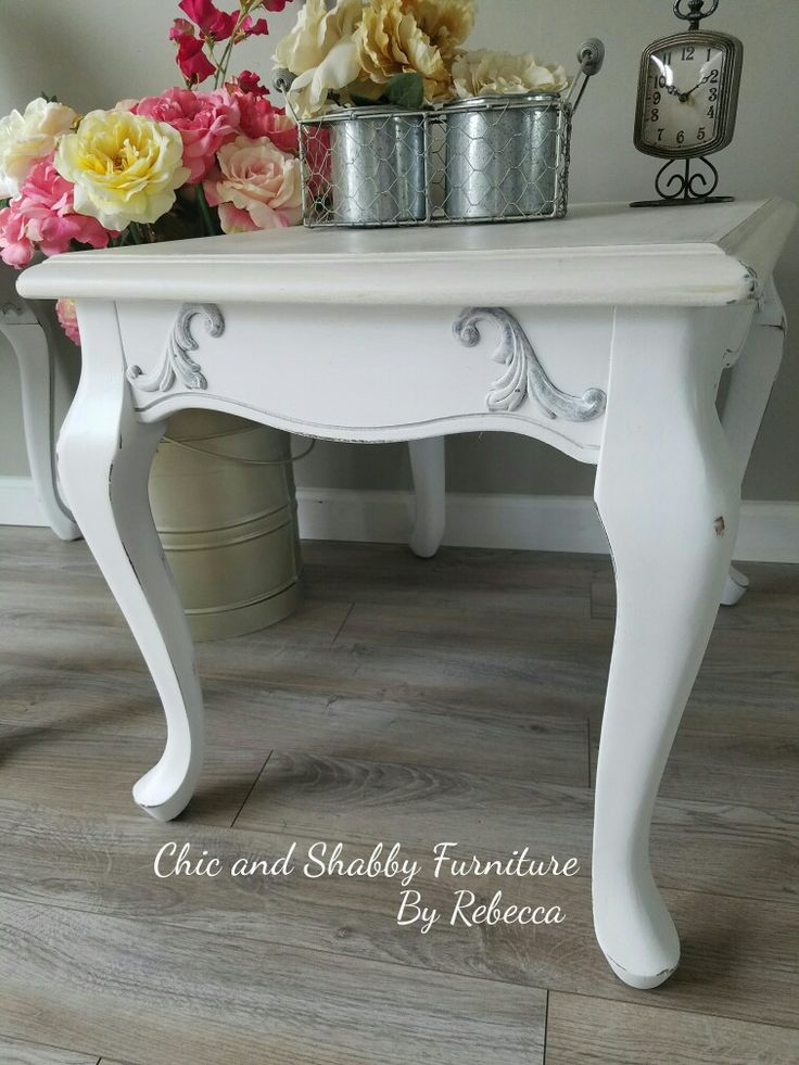These Oak Style End Tables Needed A Total Makeover! Linen White Rustoleum  Chalk Paint,