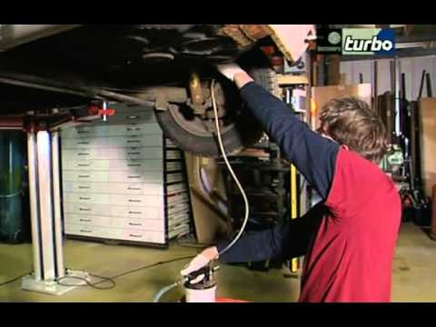 Wheeler Dealers S01E05 Golf Mk1 GTI Pt. I - http://sports.onwired.biz/movies/wheeler-dealers-s01e05-golf-mk1-gti-pt-i/