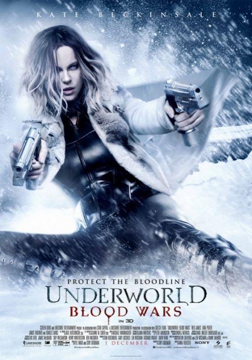 Death Dealer-vampier Selene (Kate Beckinsale) moet zich verweren tegen meedogenloze aanvallen van de Lycan clan-weerwolven en de vampieren die haar bedrogen hebben. Met David (Theo James) en zijn vader Thomas (Charles Dance) aan haar zijde als haar enige bondgenoten, moet Selene kost wat kost de eeuwig voortdurende oorlog tussen de Lycans en de vampieren tot een eind brengen.<Br><br> <B>LET OP: Deze film is strikt voor 16 jaar en ouder, het is volgens de wet niet toegestaan jongeren onder…