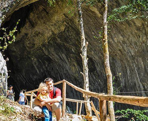 Turist în România : Peştera Meziad din Parcul Natural Apuseni - galerie foto
