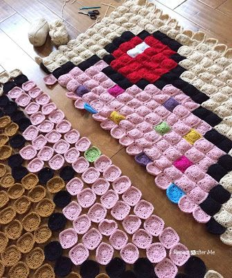 Repeat Crafter Me: Crochet Cupcake Pixel Blanket