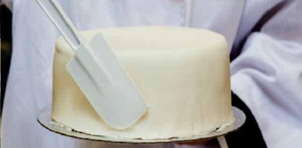 Na minha opinião o sabor é melhor do que a receita da pasta americana e mais econômica também, leva apenas 3 ingredientes. Pasta de Leite em Pó.