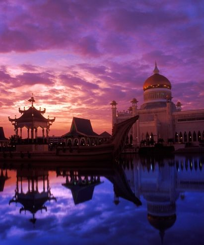 Sunset at the Omar Ali Saifuddin Mosque, Bandar Seri Begawan, Brunei Darussalam.  This is where I got married...