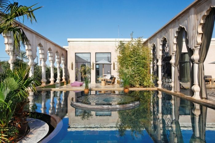 The 90sqm front terrace fo the Deluxe Rooms also hosts an outdoor heated plunch pool set in a harmony pond to revitalise inner energies
