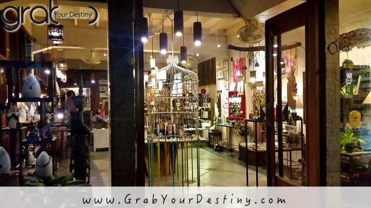 Night Market Shopping In Chiang Mai, Thailand… Thailand… #Travel #GrabYourDestiny #JasonAndMichelleRanaldi #ChiangMai #Thailand #SundayFunday www.GrabYourDestiny.com