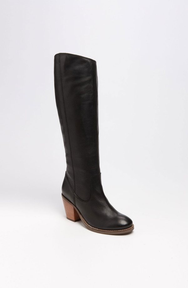 Think I need these in my life... Seychelles 'Meet Me In The City' Boot by kathy