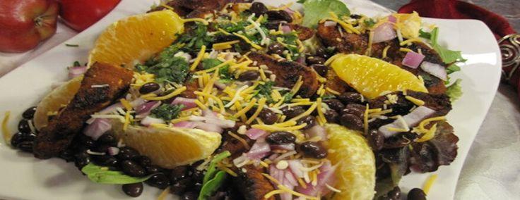 SALADA DE FRANGO COM VINAGRETE CÍTRICO | Esta combinação criativa de frango temperado, laranjas frescas e feijão preto, temperada com um refrescante vinagrete cítrico, é uma salada de frango irresistível. http://blogbr.diabetv.com/salada-de-frango-com-vinagrete-citrico/