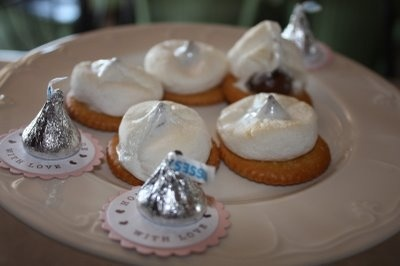 My summer obsession… Ritz crackers with 1/2 a ma…