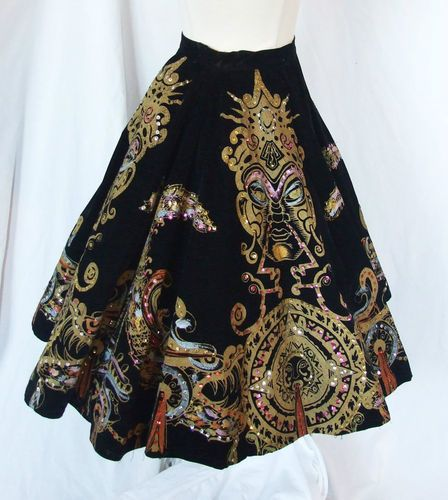 Chic Vtg 50s Gold Painted Sequined Black Velvet Mexican