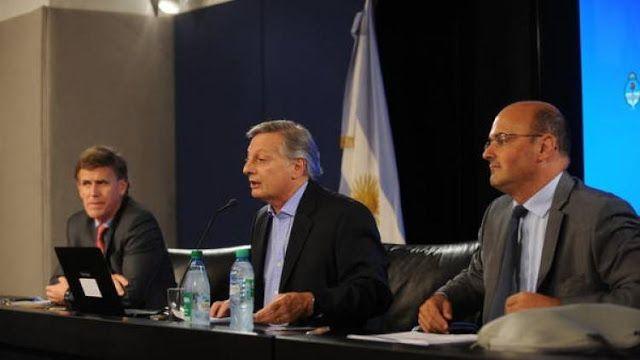 DICEN EN LOS PASILLOS... QUIEN ES EL FUNCIONARIO QUE AVALA EL #TARIFAZO A LOS NECOCHENSES   LOS FUNCIONARIOS DEL TARIFAZO MAS CRUEL QUE SE TENGA MEMORIA: SRUOGA (ENERGIA ELECTRICA) ARANGUREN ( MINISTRO ENERGIA) Y CHAMBOULEYRON (POLITICA TARIFARIA) Para quién trabajan estos funcionarios? Sin ninguna piedad desde el Ministerio de Energía de Aranguren se avaló el tarifazo de la empresa Camuzzi Gas Pampeana rechazando el reclamo de los vecinos de Necochea. En una nota dirigida al Concejo…