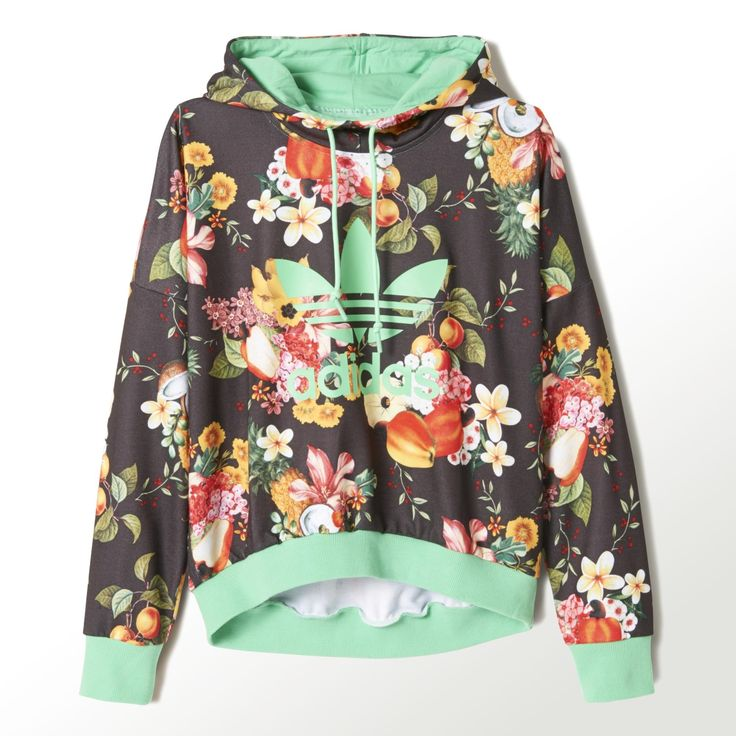 This women's hoodie shows off a bountiful spread of fruits and flowers. Made in soft French terry, it's finished with a big Trefoil on the front. Part of a collaboration between adidas Originals and the Brazilian design company FARM.