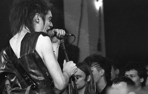 indigoeyes278:  einstürzende neubauten at nl centrum 16.2.1985 Claude Crommelin for vinyl magazine