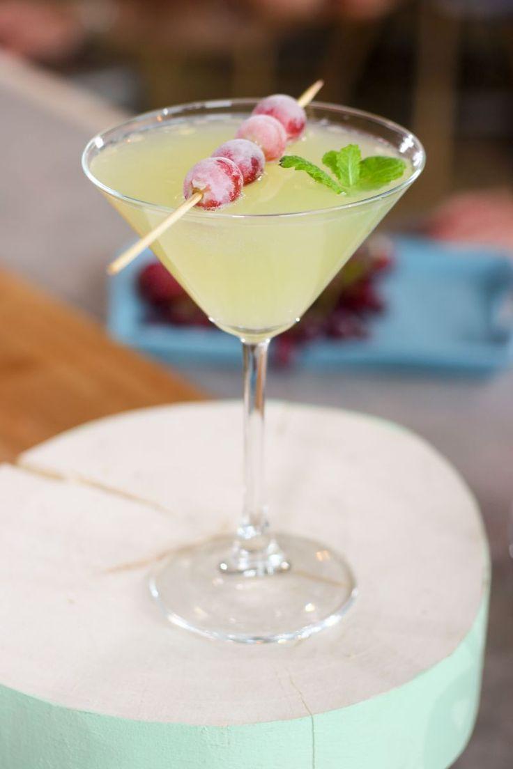 """Het lekkerste recept voor """"Gembermocktail met een druivensaté"""" vind je bij njam! Ontdek nu meer dan duizenden smakelijke njam!-recepten voor alledaags kookplezier!"""