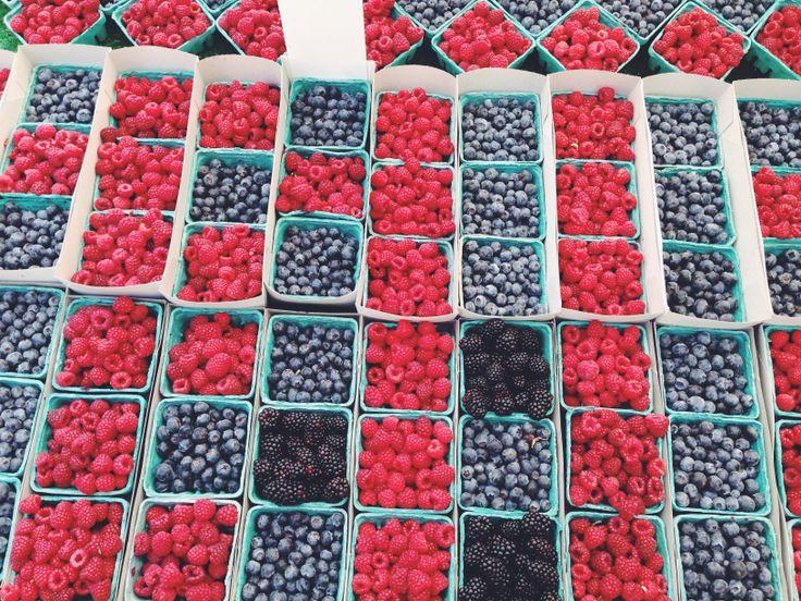Santa Barbara farmers market berries