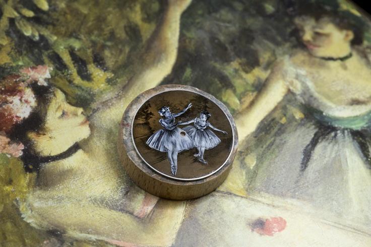 Making of... Métiers d'Art Hommage à l'Art de la Danse - Deux danseuses sur scène http://www.orologi.com/cataloghi-orologi/vacheron-constantin-m-tiers-d-art-m-tiers-d-art-hommage-l-art-de-la-danse-deux-danseuses-sur-sc-ne-86090-000g-9881