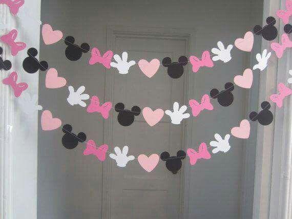 Guirnaldas para fiesta temática de Minnie                                                                                                                                                     Más