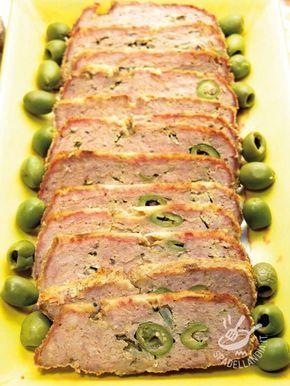 Se volete aggiungere sapore al vostro Polpettone alle olive mescolate all'impasto un etto di prosciutto crudo: bontà a gogo!