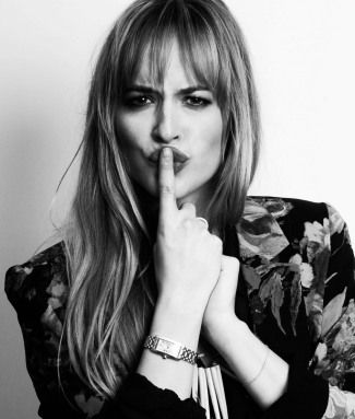 Anastasia Steele [Dakota Johnson]