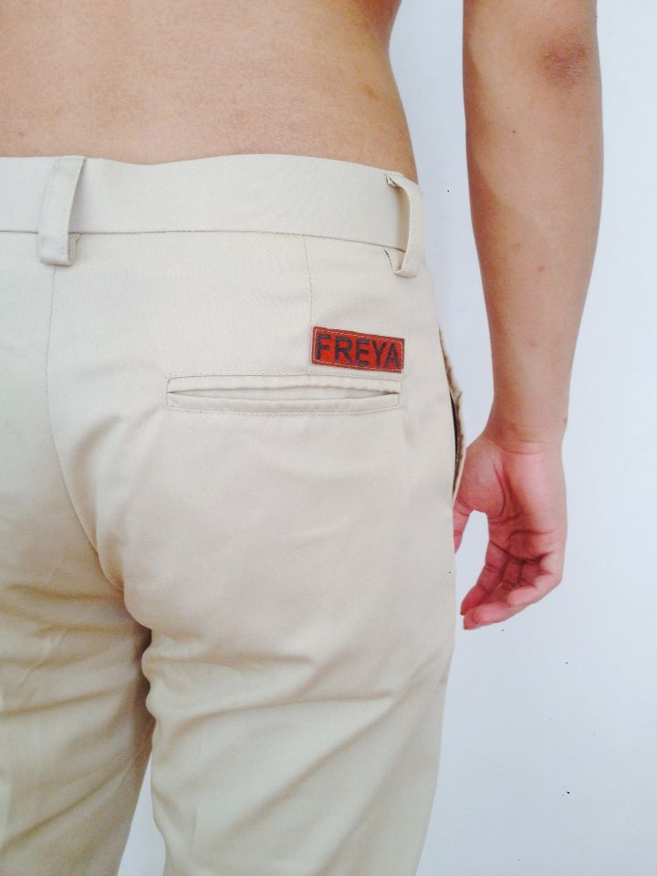 Freya chino pants cream, more info: +628982377867, @freyabali