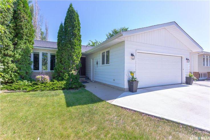 134 Laval Drive in Regina: University Park Residential for sale : MLS® # SK704878
