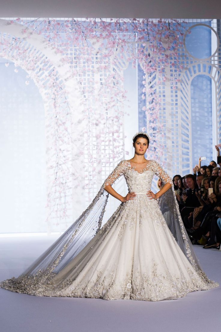 316 best ralph russo images on pinterest burgundy rugs for Ralph and russo wedding dress