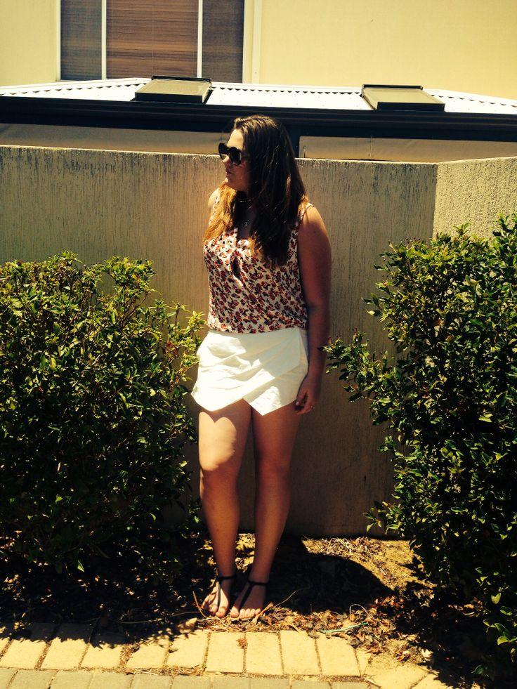 Top: Sportsgirl Skort: Sportsgirl  Sandals: Betts  Sunglasses: Todds