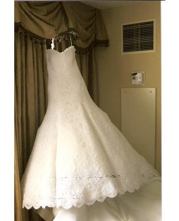 Jessica Simpson's wedding dress by Vera Wang- LOVE. (front)