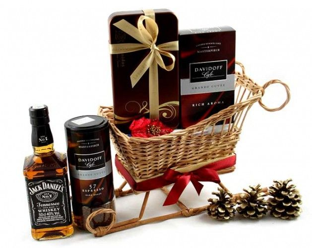 Saniuta Elegant Christmas Gift http://www.borealy.ro/cosuri-de-craciun/cosuri-saniuta-craciun/saniuta-elegant-christmas-gift.html