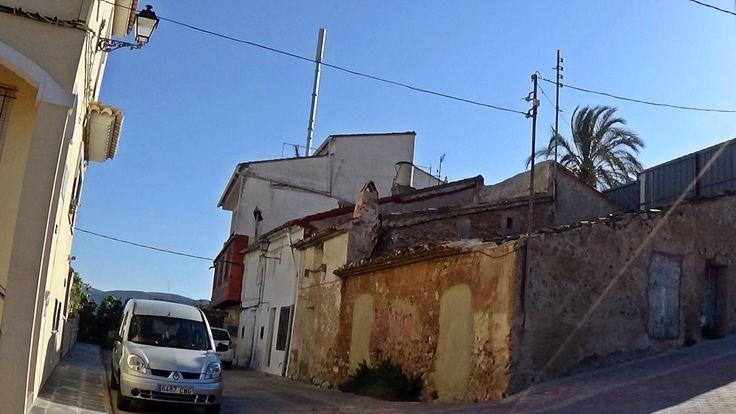 Segorbe sanciona a un vecino por instalar una antena de telefonía móvil
