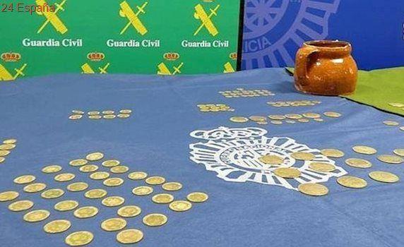 Piden cárcel para dos albañiles que se apropiaron de más de 200 monedas de oro de una casa