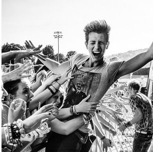 James McVey//The Vamps... His facial expression is so cute, awh ! Seeing people who look so happy, I just can't help but smile. <3