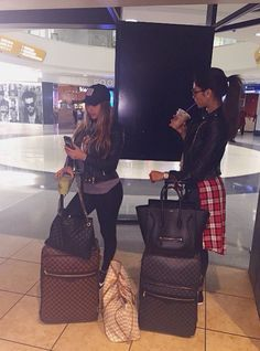 photos to take at the airport with your best friends - Google Search