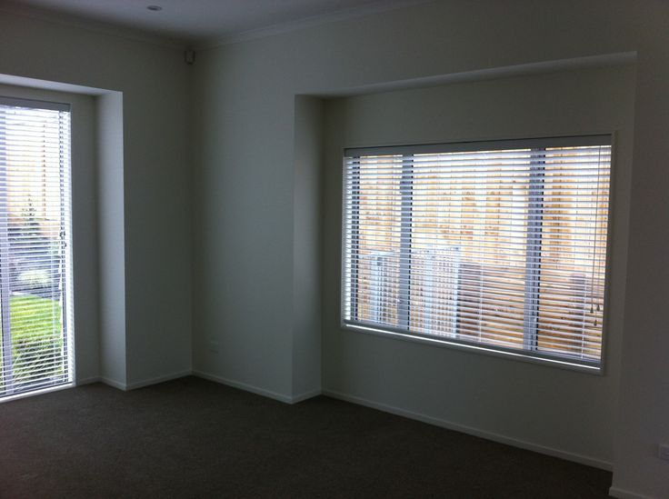 The owner here wanted a higher level of tenant for this new home in Millwater, Auckland, and wanted a blind to match – but still durable – Woodvision by blindsonline.net.nz