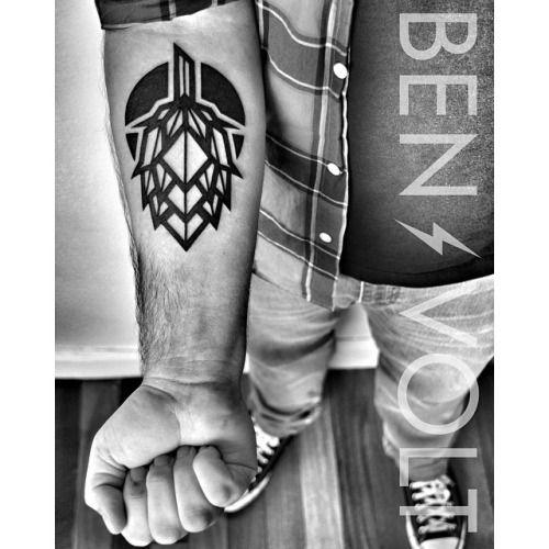 WWW.BENVOLTTATTOO.COM - A singular #abstract #geometric #hop for Logan the...