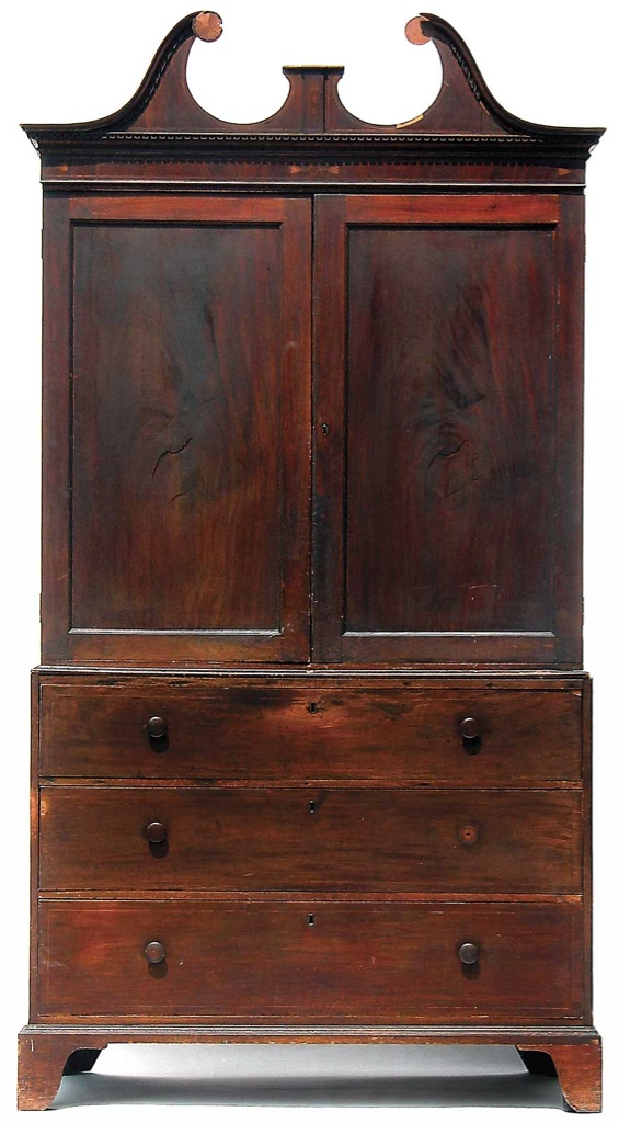 Drayton linen press, 1790–1810. Produced in Charleston from cypress. It is believed that it was purchased by Charles Drayton when he renovated Drayton Hall according to his taste in the early nineteenth century.