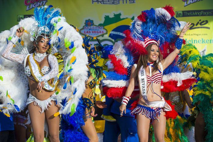 Знаменитые шоу Лас-Вегаса – это практически полностью обнаженные танцовщицы, качественная музыка и грубый юмор.