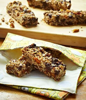 Chewy Chocolate Quinoa Oat Bars with Seeds and Nuts on MyRecipeMagic.com