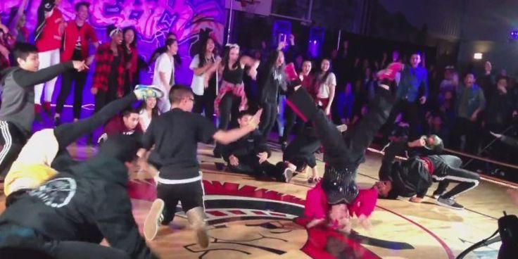 """Para celebrar a aposentadoria, a canadense Shirley Clements inovou. A professora de dança, acompanhada de seus alunos, apresentou uma coreografia para a música """"Uptown Funk"""", de Bruno Mars."""