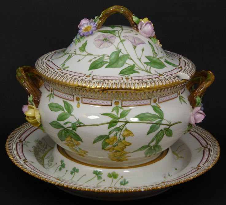 Hand Painted Soup Tureen Italy | 146 - ROYAL COPENHAGEN FLORA DANICA TUREEN w UNDERPLATE
