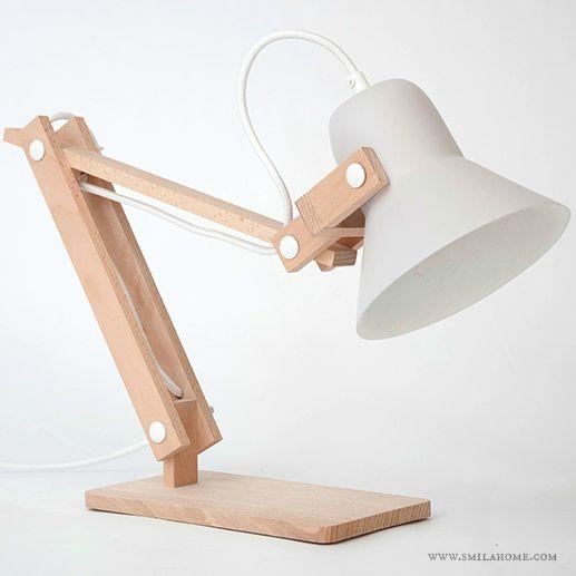 lampara de mesa, diseño M.OSS Design, hecha a mano en madera y arcilla. www.lofficina.bigcartel.com