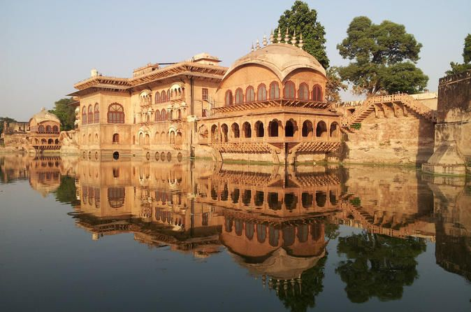 Independent 6-Day Tour of Delhi, Deeg Agra and Jaipur from Delhi in Private Car On this 6-day tour, you will experience all of the most popular destinations in North India: Delhi, Deeg Palace, Agra and Jaipur. Explore these fascinating destinations and enjoy the World Heritage Sites while you travel in a private, air-conditioned chauffeur-driven car. Visit the magnificent heritage sites of India - The Red Fort, Humayun Tomb, Qutub Minar, The Taj Mahal, Agra Fort, Sikandra, Fa...