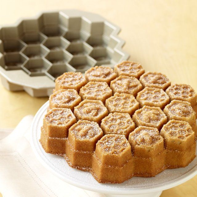 Inspired by a golden honeycomb, this pan creates a beautifully sculpted pull-apart cake.