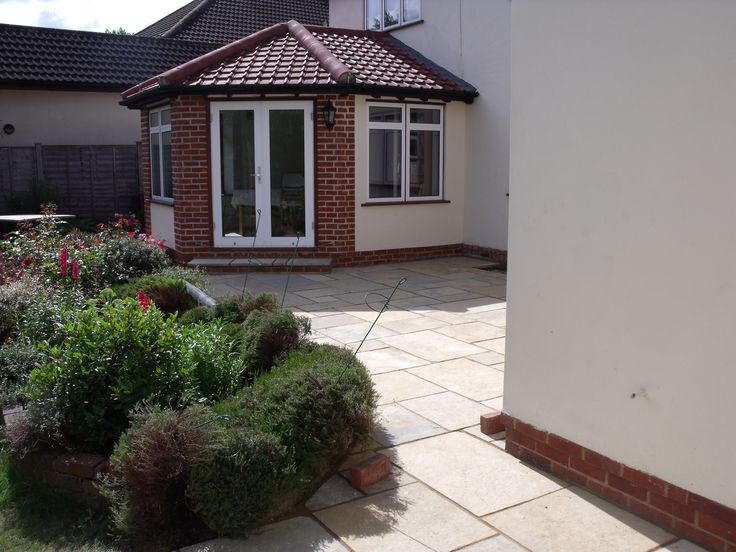 Use Random Sized Paving Slabs For A Great Look!