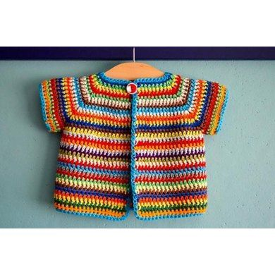 FREE crochet pattern for a cute baby cardigan.A great way to learn about basic topdown and seamless designs.1 size, but once you know how it works, you can make your own preferred size cardigan, with other hook sizes and other yarns !Enjoy !