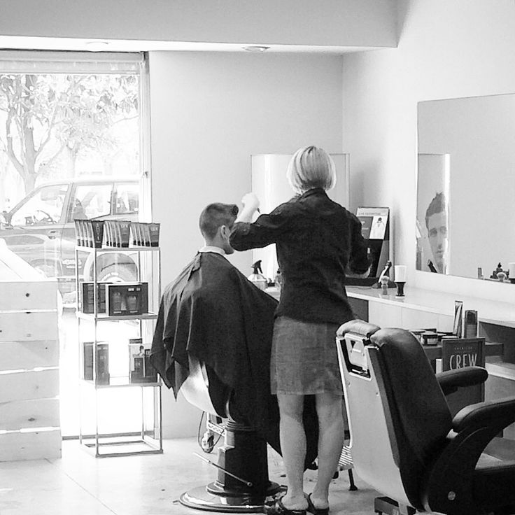 Natàlia in action :) #redkenformen #redken #intheshower #shampoo #haircare #haircareproducts #products #barber #barbershop #barberia #labarberiafigueres #figueres #perruqueria #infigueres